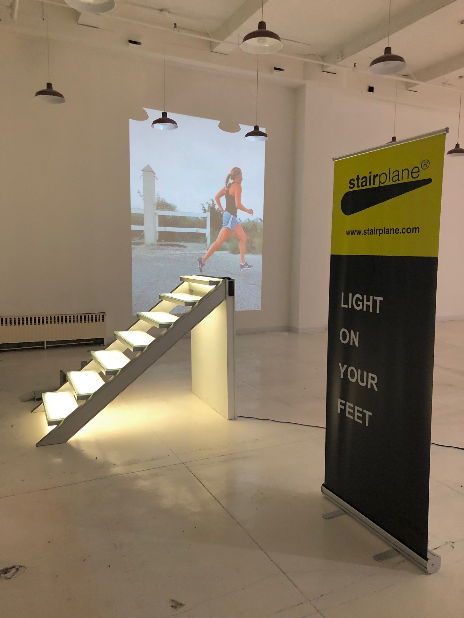 STAIRPLANE™ LIGHT ON YOUR FEET