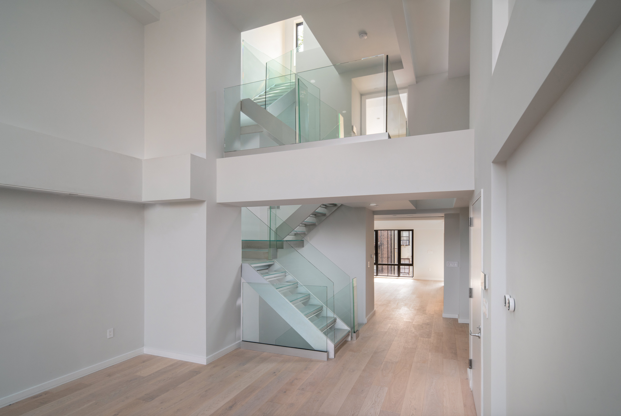 NEW YORK PENTHOUSE AND STAIRPLANE™